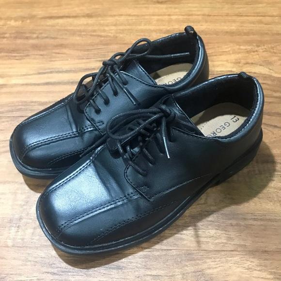 George Shoes   Boys Size 13 Worn 1x